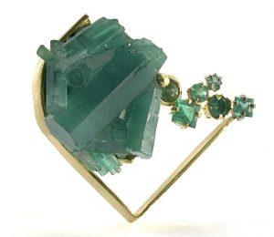 "Honoka Raw Emerald Jewelry brooch ""海の星、星の海"" raw emerald from Columbia ほのか honoka エメラルド emerald 展覧会 原石"